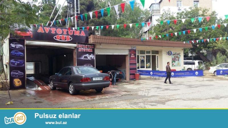 TECİLİ!!! Qara Qarayevde yerlesen  ümumi sahesi 108 km,2 boksdan ibaret olan avtoyuma satilir...