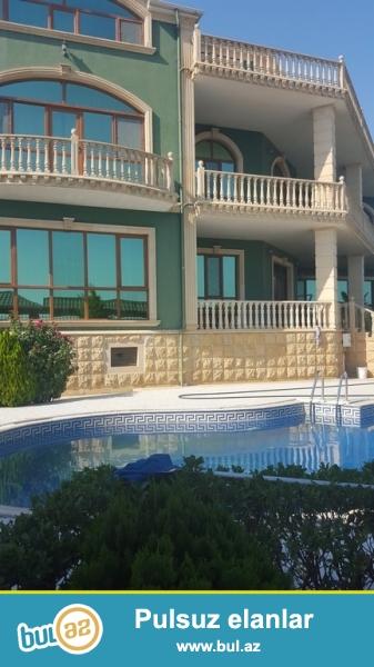 Для очень солидных клиентов! В поселке Бадамдарт    с видом на море ,  сдается в аренду на долгий срок  3-х этажный + мансарда, площадью   900 квадрат, 7-и комнатный особняк, расположенный на  12 сотках земли...