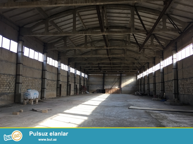 Qaradag rayonu lokbatan qesebesinde 1080kvadrat metr sahesi olan anbar icareye verili anbarin eni18m uzunlugu 60m hundurluyu ise 10m dir...