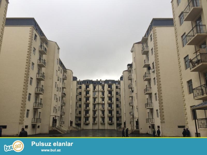 Xırdalan şəhəri AAAF park yaşayiş kompleksində yerləşən 7 mərtəbəli binanin 6 mərtəbəsində 3 otaqli mənzil satılır...