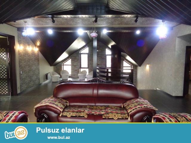 Xəzər rayonu, Buzovna qəsəbəsi, Magistral yoldan (trasdan) 30 metr məsafədə tikilmiş 6 sot torpaq sahəsində 5 daş kürsüdə, ümümi sahəsi 550 kv...