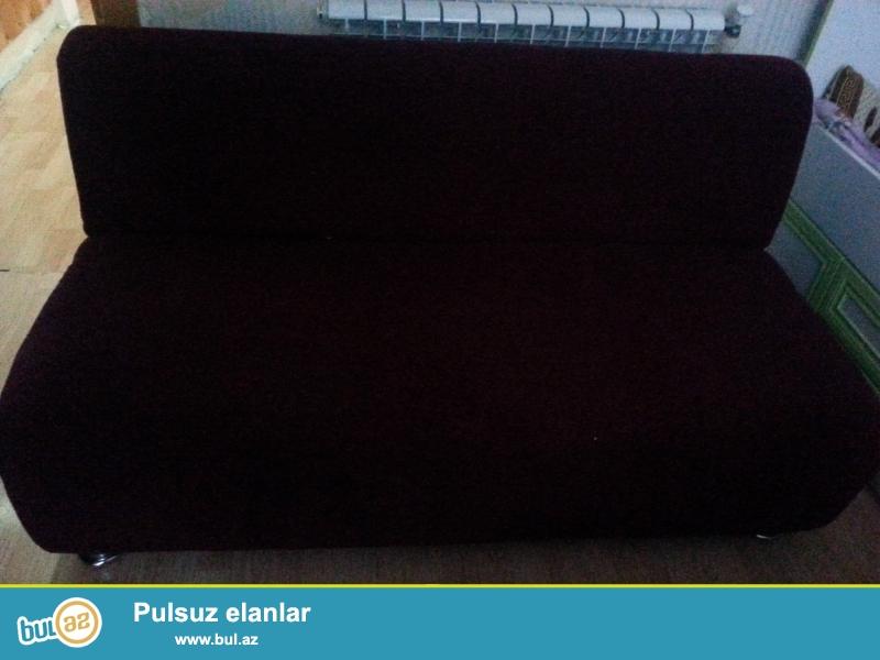 divan bardovu rengdedir yaxsi veziyyetdedir 1.60 uzunu qiymeti 150 azn
