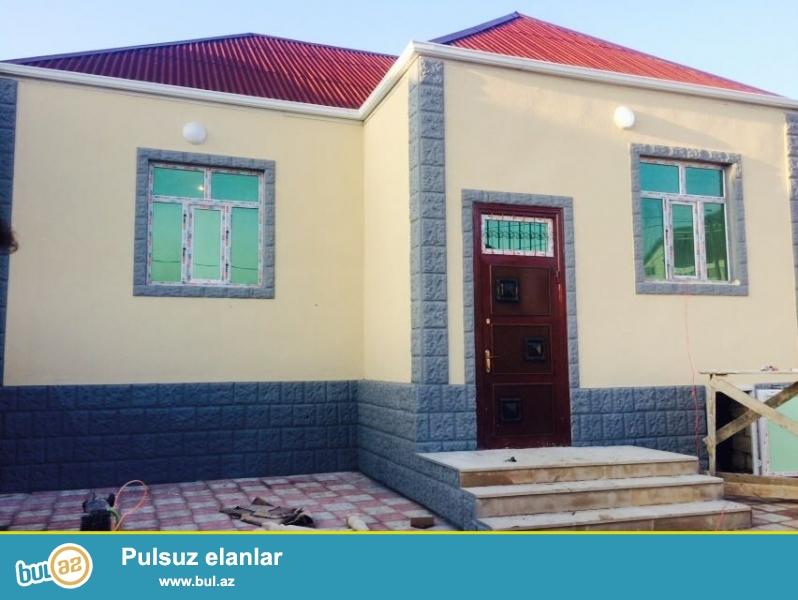 Zabrat 1 qəsəbəsində Yaxın marketin yaxınlığında marşuruta yaxın yolda 2 sot torpaq sahəsində kürsülü qoşa daşlı  sahəsi 90 kv mt olan 3 otaqlı ev satılır...