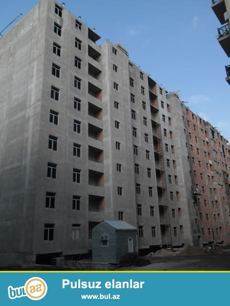 Xırdalan şəhəri,AAAF park yaşayış kompleksində inşa olunmu 11 mərtəbəli binada ümumi sahəsi 93 kv olan 2 otaqlı mənzil satılır...