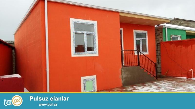 Maştağa qəsəbəsi  tam merkezde  293. nom.mektebin qarsisinda   3 otaqlı həyət evi satılır...