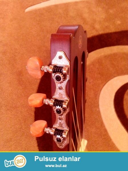 Original, cızıqsız, zədəsiz bir sözlə ideal vəziyyədə şəxsi Yamaha NCX700C model elektroklassik gitaramı satıram...