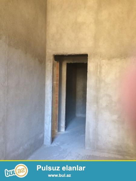 Xırdalan şəhəri AAAF park yaşayış kompleksində məscidin yanında inşa olunmuş binada 3 otaqlı mənzil satılır...