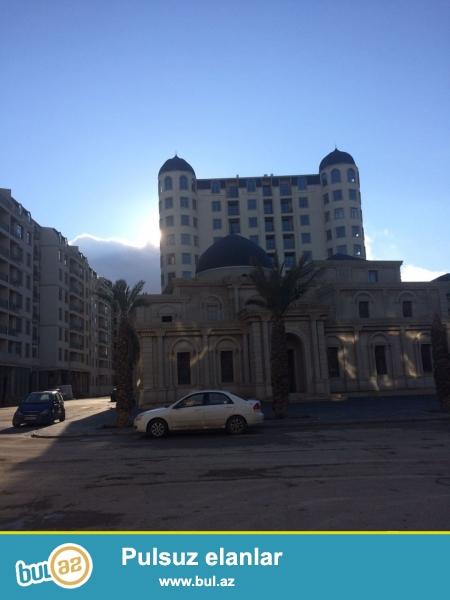 Xırdalan şəhəri AAAF park yaşayış kompleksi, məscidin yanında inşa olunmuş  8 mərtəbəli binanın 8ci mərtəbəsində mansart tipli mənzil satılır...