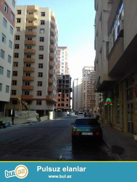 Təcili!!! Yeni Yasamalda ümumi sahəsi 96kv 3 otaqlı təmirsiz mənzil satılır...