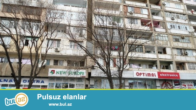 Предлагается превосходная  3-х комнатная квартира  (переделана из 4-х комнатной) в центре города  - по пр...