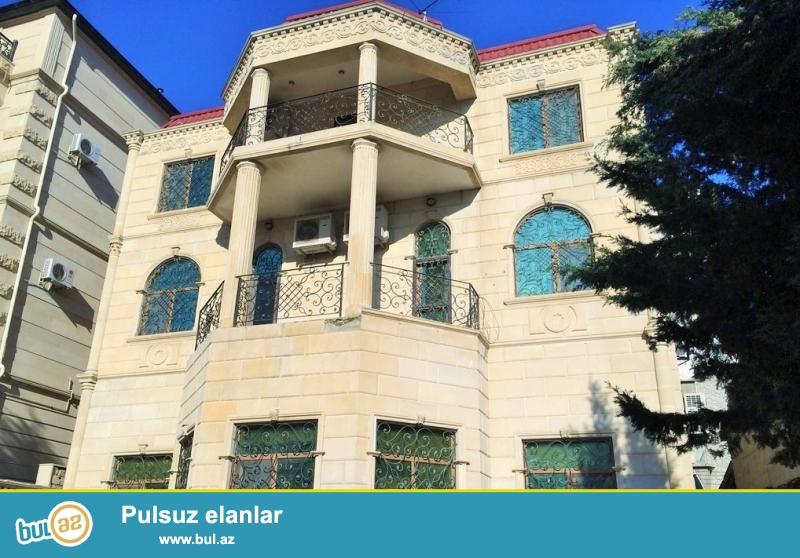 Очень срочно сдаётся в аренду на долгий срок 4-х этажный , 9 комнатный особняк расположенный вблизи  проспекта Теймура Алиева ...