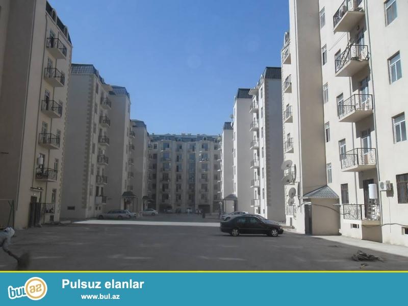 Xırdalan şəhərində AAAF park yaşayış kompleksində yerləşən 7 mərtəbəli binanin 7ci mərtəbəsində mənzil satılır...