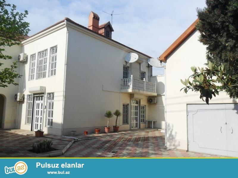 Срочно! Рядом с Президентской Резиденцией на проспекте Ататурка сдается в аренду на долгий срок 2-х этажная , 6-ти  комнатная вилла площадью 350 квадрат расположенная на 10 сотках...