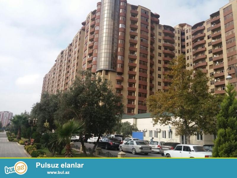 В самом респектабельном  районе Баку –  около  станции  метро   Хатаи, в престижной новостройке предлагается  полноценная  3-х комнатная квартира   СО ВСЕЙ ОБСТАНОВКОЙ...