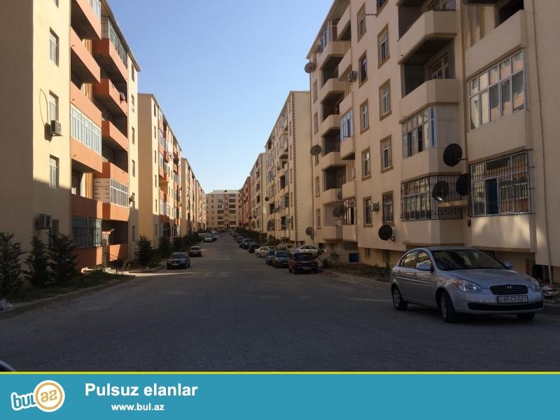 Masazir q Qurtulus 93 yasayis kompleksinde 6 mertebeli binanin 5-ci mertebesinde 74 kv sahesi olan temirli menzil satilir...