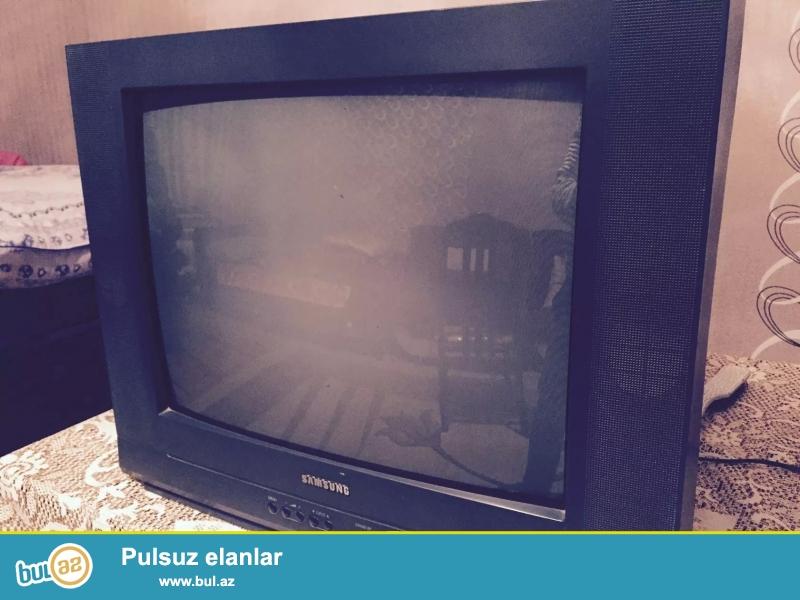 Televizor tam qaydasinda iwleyir  hec bir problemi yodur istenilen usta yoxlaya biler Ekran 54 Dioqanal