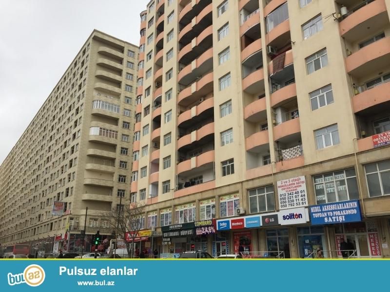 Xırdalan şəhərinin mərkəzində Heydər Əliyev prospektində inşaa olunmuş binada 1 otağlı mənzil satılır...