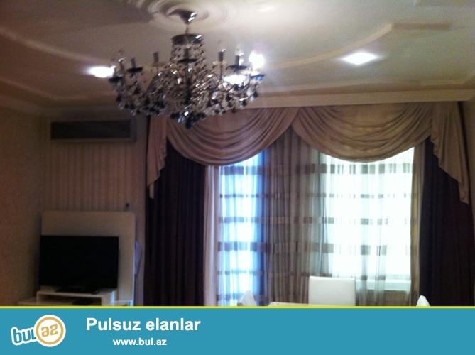 Продается 4-х комнатная квартира в центре города, в Сабаильском районе, по проспекту Нефтяников, напротив Бульвара...