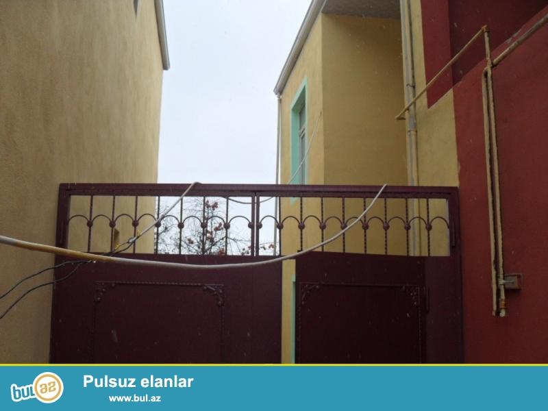 2 mərtəbəli – 6 otaqlı həyət evi <br /> Xırdalan şəhərində 119 nömrəli avtobusun yolunda , Kolbasa sexinin yaxınlığında ...
