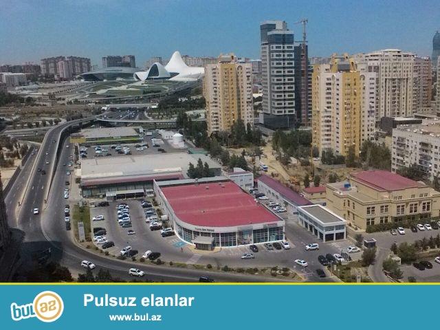 """Satılır Xətai Bakı Əyləncə Mərkəzi  ilə uzbəuz  """"Sahil MTK """"-da  3 otaqlı mənzil..."""