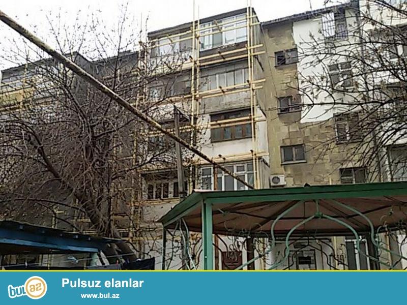 Очень Срочно! По улице Диларе  Аалиевой   cдается в аренду на долгий срок  3-х комнатная квартира  старого строения  6/6  проекта  ...