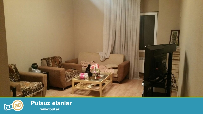 Cдается 3-х комнатная квартира в центре города, в Сабаильском районе, рядом с Малоканским садиком...