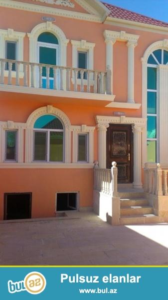 DIQQET!!! Tecili Xirdalan seherinde H.Eliyev p 2 sot torpagin icinde sahesi 150 m2 tikilen 5 otaqli, beton arasi monolit olan tam temirli heyet evi satilir...