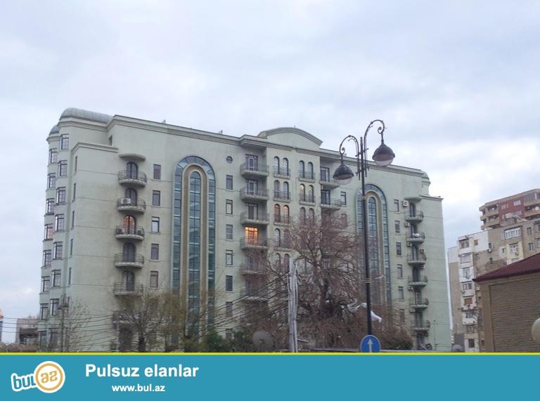 СРОЧНО !!! НОВОСТРОЙКА !!! Cдается 4-х комнатная квартира в центре города , в близи метро Низами, по улице Салатын Аскерова ...