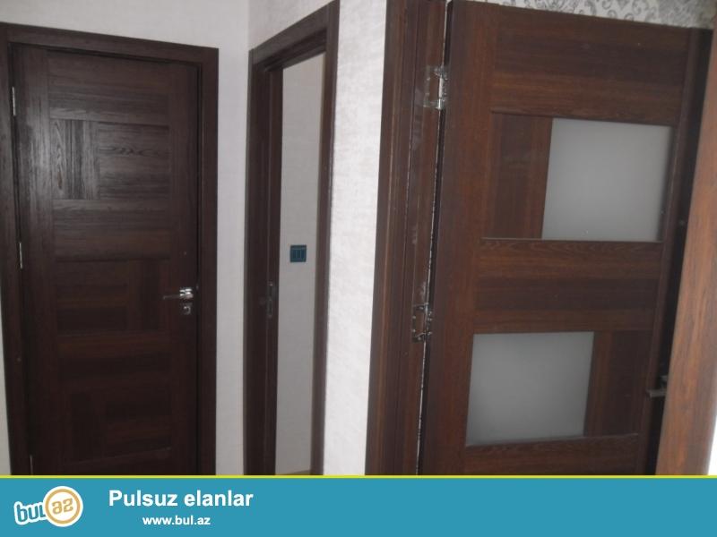 Xırdalan şəhərində Kristal Abşeron  yaşayış kompleksində yerləşən 12 mərtəbəli binanin 5ci mərtəbəsində mənzil satılır...