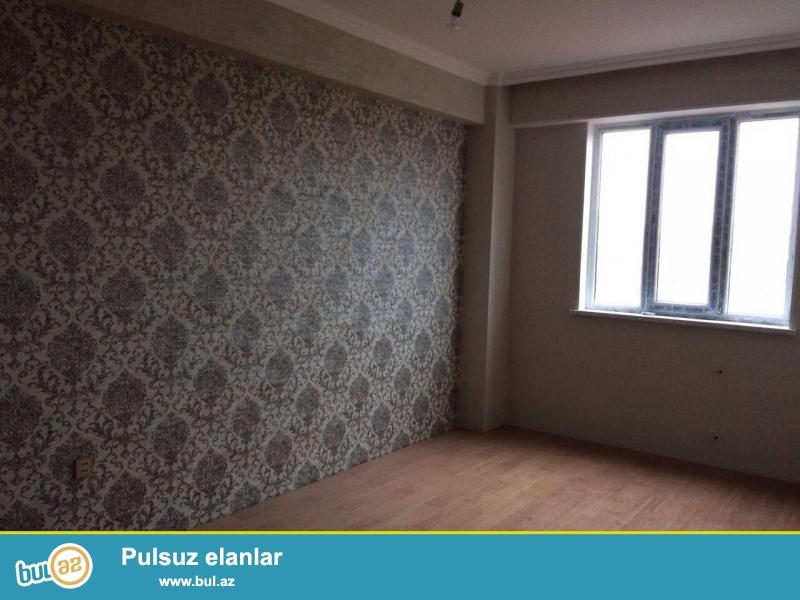 Xırdalan şəhərində Kristal Abşeronda inşa olunmuş  12 mərtəbəli binada ümumi sahəsi  83 kv...
