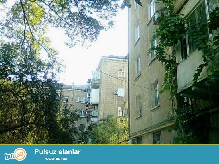 СРОЧНО !!! ПРОДАЁТСЯ !!!  5-ти комнатная квартира,в Сабунчинском районе, в близи станция Разина...