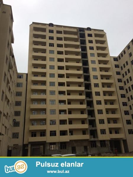 Xırdalan şəhəri AAAF park yaşayış kompleksində yerləşən 15 mərtəbəli binada mənzil satılır...