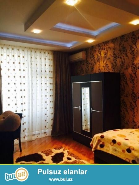 Очень срочно!  За  Шерг базаром продается  3-х  комнатная квартира нового строения 7/14  площадью 107 квадрат ...