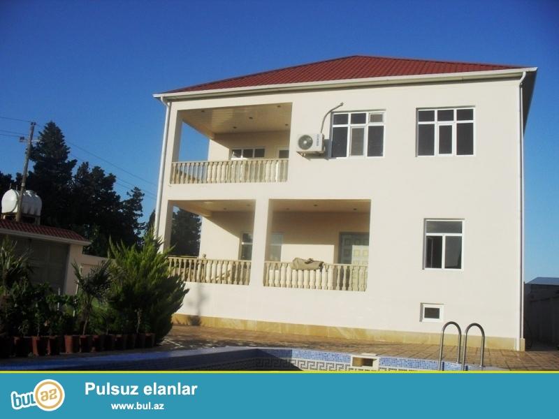 Срочно! В поселке мардакан, по дороге к Тропикано, продается 3-х этажная дача, каждый этаж площадью 200 квадрат, расположенная на 12 сотки земли...