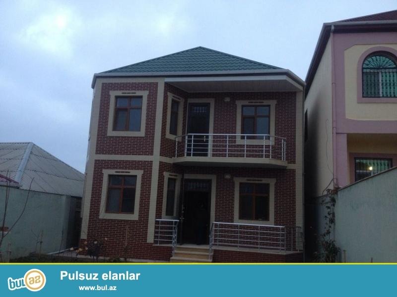 Очень срочно !  В поселке Бакиханово бывший Разино не далеко от д/т «AURA» продаётся 2-х этажный  5-ти комнатный частный дом площадью 210 кв ...