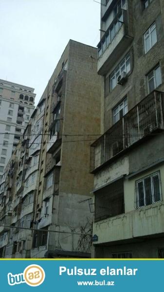 Ясамальский район по улице Ш. Мехтиева, в полностью заселенной старой постройке сдаётся 4-х комнатное офисное помещение...