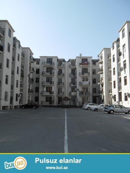 Xırdalan şəhərində AAAF parkda yerləşən 21 saylı küçədə 5 mərtəbəli binanın 4-cü mərtəbəsində ümumi sahəsi 48 kv...