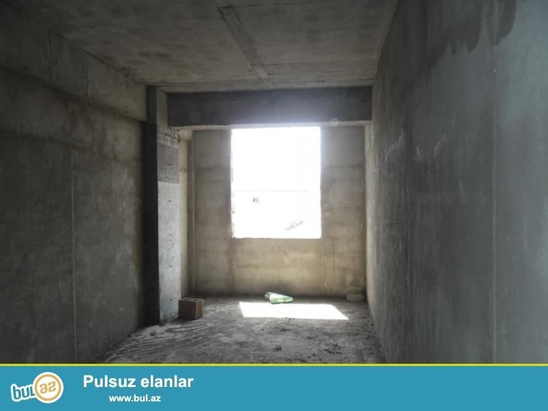 Xırdalan şəhəri  AAAF park yaşayış kompleksi Məscidin yanında inşa olunmuş 14 mərtəbəli  binanın 3cü mərtəbəsində mənzil satılır...