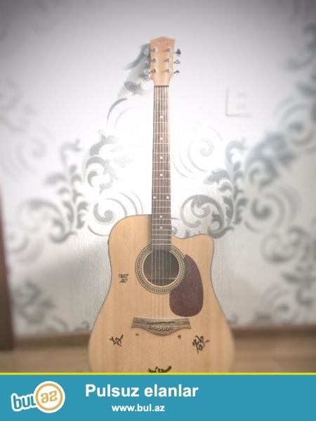 """""""better"""" firmasının akustik gitarasıdır. Bir il əvvəl alınıb, yaxşı vəziyətdədir..."""