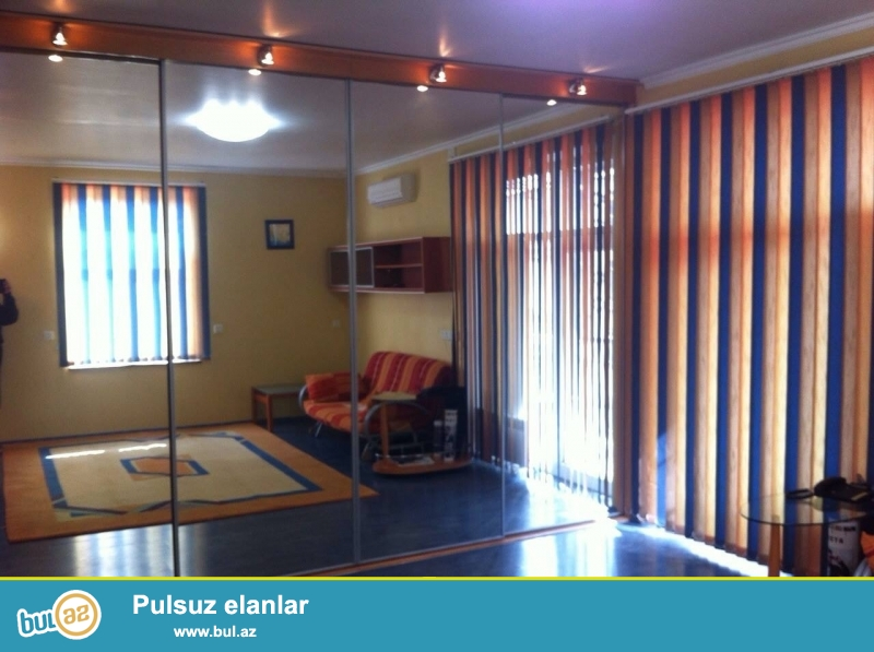 Cдается 1 комнатная квартира в центре города, в Хатаинском районе, рядом с Гагаринским мостом...