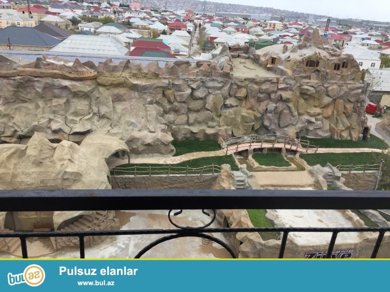 Xırdalan şəhəri AAAF park yaşayış kompleksində yerləşən 7 mərtəbəli binanin 6cı mərtəbəsində mənzil satılır...