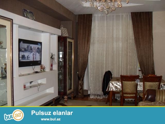 Xətai rayonu, 7 saylı poliklinikanın  yanında 17 mərtəbəli binanın 2-ci mərtəbəsində sahəsi 105 kv...