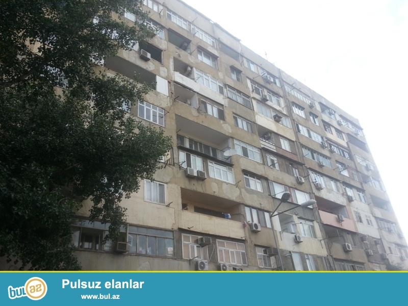 Yasamal rayonu Yeni Yasamal qəsəbəsi  4 otaqlı ev satılır...