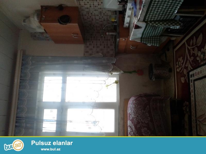 Sabuncu rayonu savalan yasayis massivinde ev satilir...