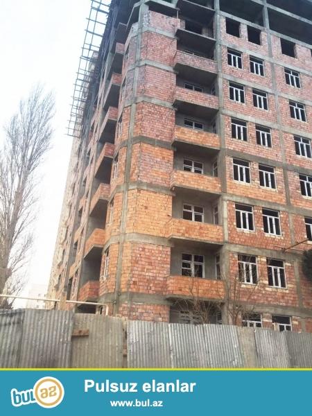 Очень срочно! Продается 1 комнатная квартира в новостройке, в Хатаинском районе, рядом с метро Халглар Достлугу...