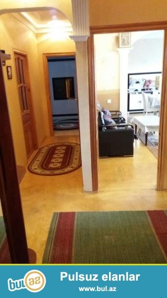 Очень срочно! Продается 4-х комнатная квартира в Низаминком районе, по улице Нахчивани, рядом с базаром «8 КМ»...