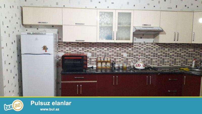 Nəsimi rayonu, Semaşkonun yanında, 19 mərtəbəli yeni tikili binanın 18-ci mərtəbəsində, ümumi sahəsi 126 kv...