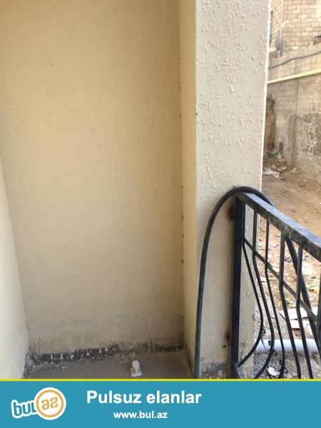 Xırdalan şəhəri Məscidin arxasında inşaa olunmuş AAAF parka məxsus binada podmayak şəklində mənzil satılır...