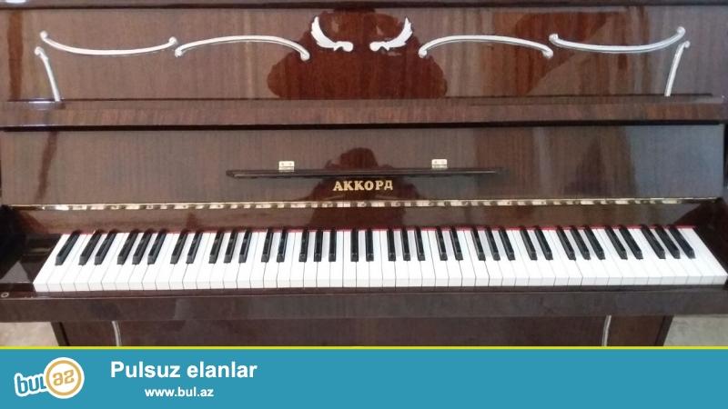ag ve qehveyi pianinolar satilir