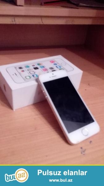 İphone 5s gold.Ayfon 6-ya yığılıbdı rəngi gold yəni qızılı rəngdi...